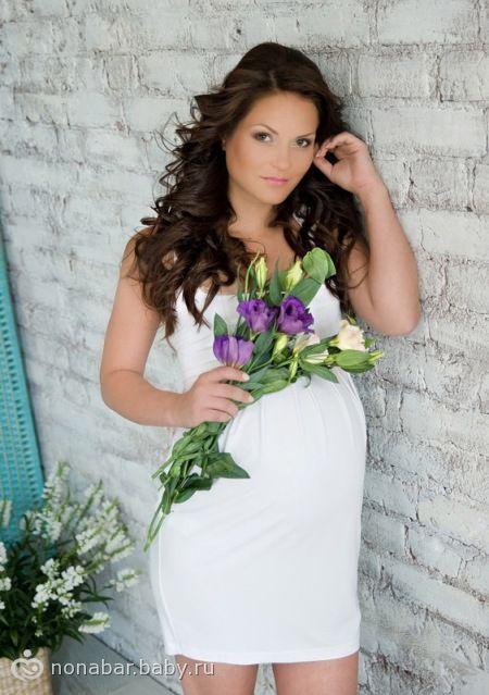 Фотосессии беременных с пузом для